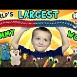 Chase's Corner: World's Largest Gummy Worm Fight w/ Oreos Dirt – Ahhhh SNAKE!! (#21) | DOH MUCH FUN
