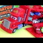 EXCLUSIVE Mack Truck Carry Case Disney Cars Display Store 16 Diecast Cartoys Pixar Cars2 review