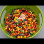 Hidden Surprise Eggs in a Bucket Full of Candy! Holiday Edition!
