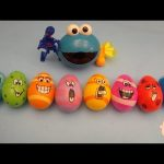 "Kinder Surprise Egg Learn-A-Word! Spelling Food ""Lesson D"" (Teaching Letters Opening Eggs & Toys)"