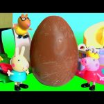 Peppa Pig & Rebecca Rabbit playing in the Park on Seesaw Finds Giant Egg Surprise in the Playground