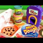 Pizzeria Moon Dough Pan Pizza Playset with Magical Oven Toy – Play Doh Kitchen Baking Toy