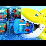 Shark Attack Finding Dory Mashems Swimming Underwater in Orbeez Jelly Water Gels Fashems Toys