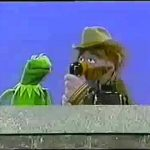 Sesame Street – Kermit and Forgetful use the telephone