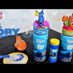 Disney Pixar FINDING DORY Bubbles Nemo  Marlyn  surprise Squirt bath toy Fun video for kids