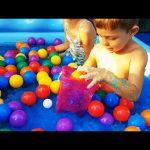 Fun with Gelli Baff in kids pool. Bath time and play time.