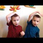 Twins Sing Preschool Songs: Days of the Week