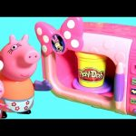 Chef Peppa Pig Cooking and Baking Cakes in Peppa Pig Microwave Oven Toy Play Doh Food Toys Surprise
