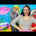 Little Sharks – Kids Song with the Baby Shark family! Kids Nursery Rhymes